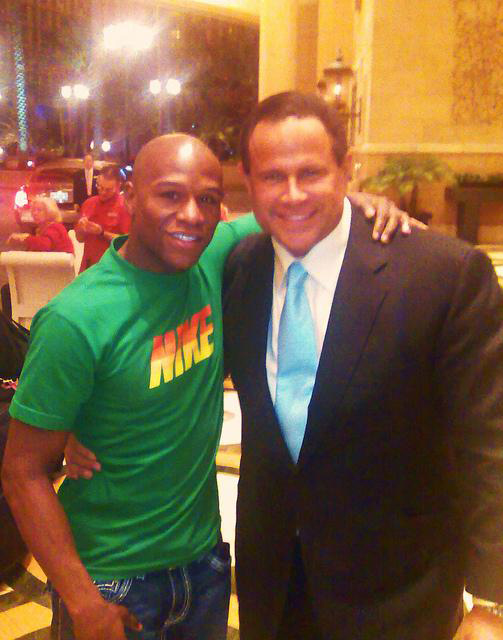 Keith Middlebrook with Mayweather - Nike Shirt